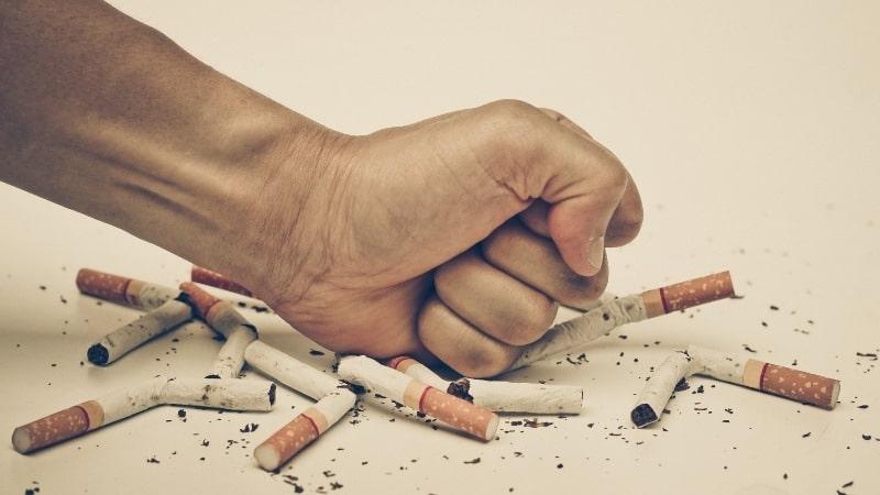 Como os cigarros causam câncer